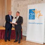 Bod Péter Ákos közgazdász, korábbi gazdasági miniszter és Csucska Péter (Lexmark ITH Kft.) /CSR Hungary Díj 2015