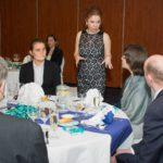 Takács Júlia, a CSR Hungary ügyvezetője és a KMTA (Kárpát-medencei Tehetségkutató Alapítvány) kuratóriumi tagjai és mentoráltjaik